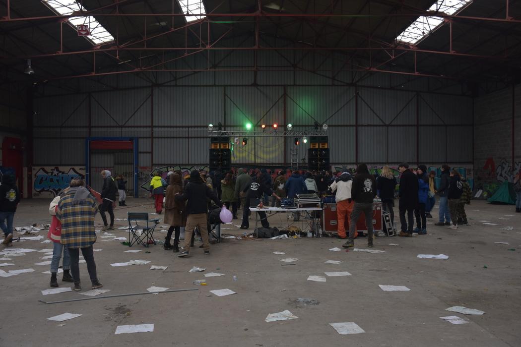 free-party-dans-l-ancienne-usine-alizol-a-ouzouer-sur-trezee_4599681.jpg